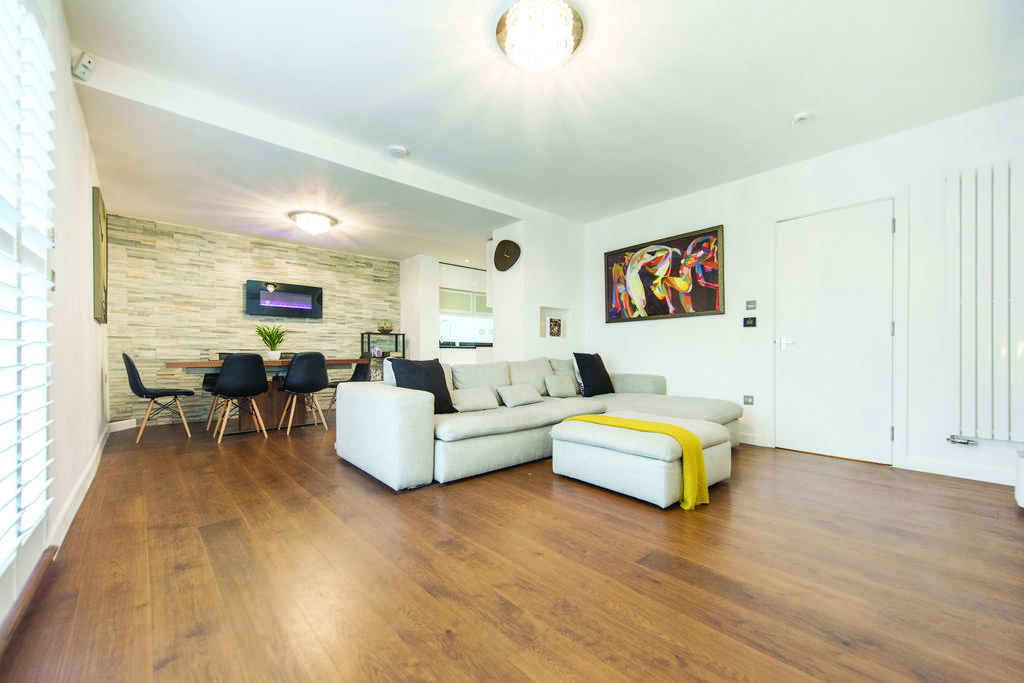 3 Bedrooms Flat for sale in The Avenue, NW6