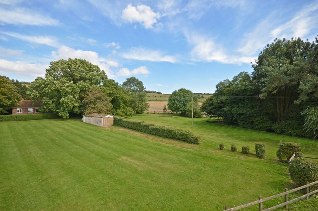 2 Bedrooms Detached House for sale in Monks Horton, TN25