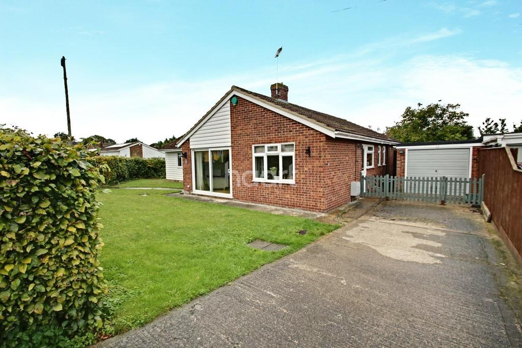 4 Bedrooms Bungalow for sale in The Elms, Great Chesterford, Essex