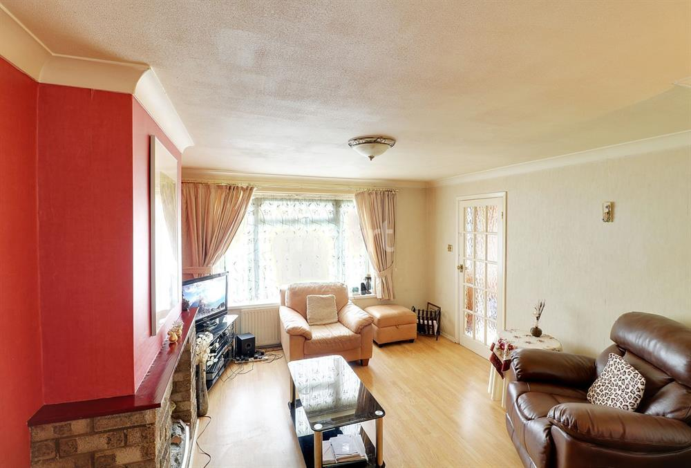 3 Bedrooms Terraced House for sale in East Crescent, New Southgate, N11