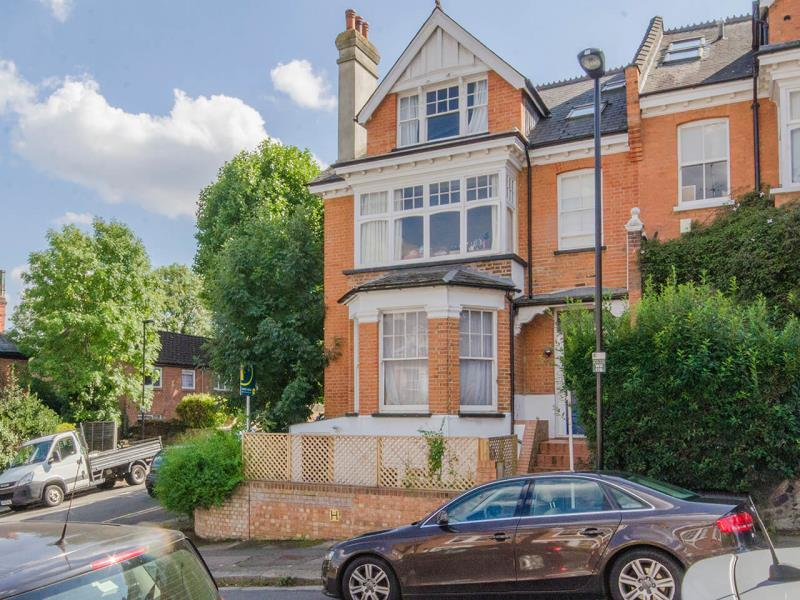 1 Bedroom Flat for sale in Woodland Gardens, N10