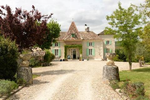 5 bedroom country house  - Near Penne D'Agenais, Lot Et Garonne, South West France