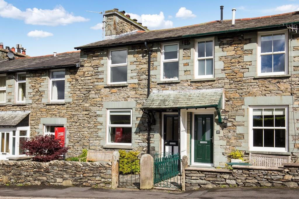 3 Bedrooms Terraced House for sale in 25 Craig Walk, Windermere, Cumbria, LA23 2HB