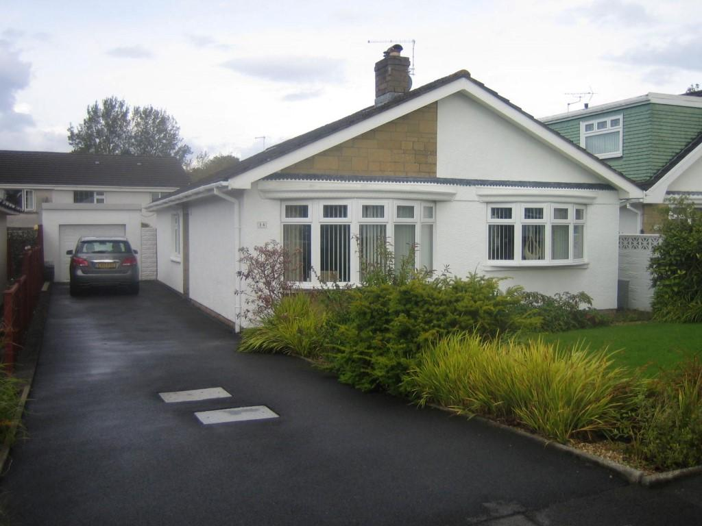 3 Bedrooms Bungalow for sale in Vernon Close, Pontlliw, Swansea
