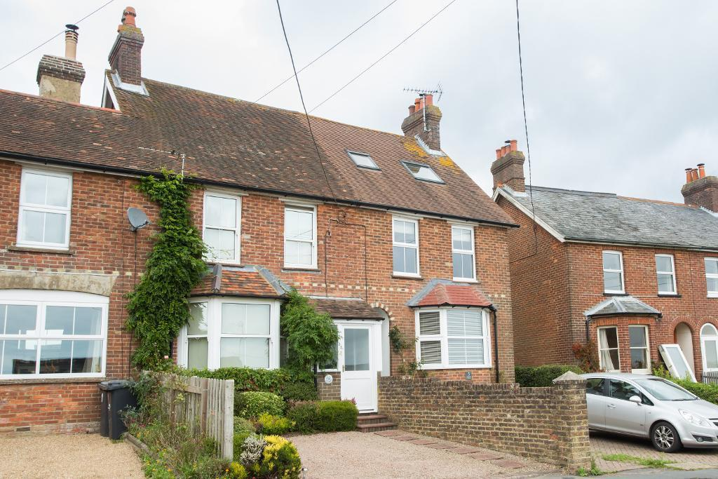 2 Bedrooms Terraced House for sale in Seaview Cottages, Battle Road, Punnetts Town, East Sussex, TN21 9DG