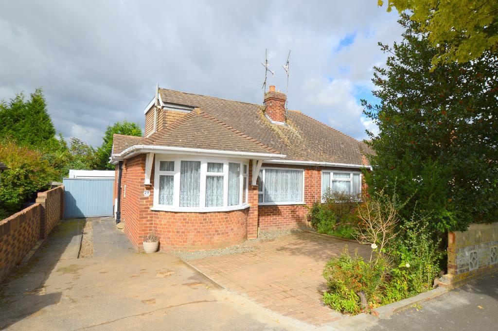 2 Bedrooms Bungalow for sale in Derwent Avenue, Luton, Beds, LU3 2DX