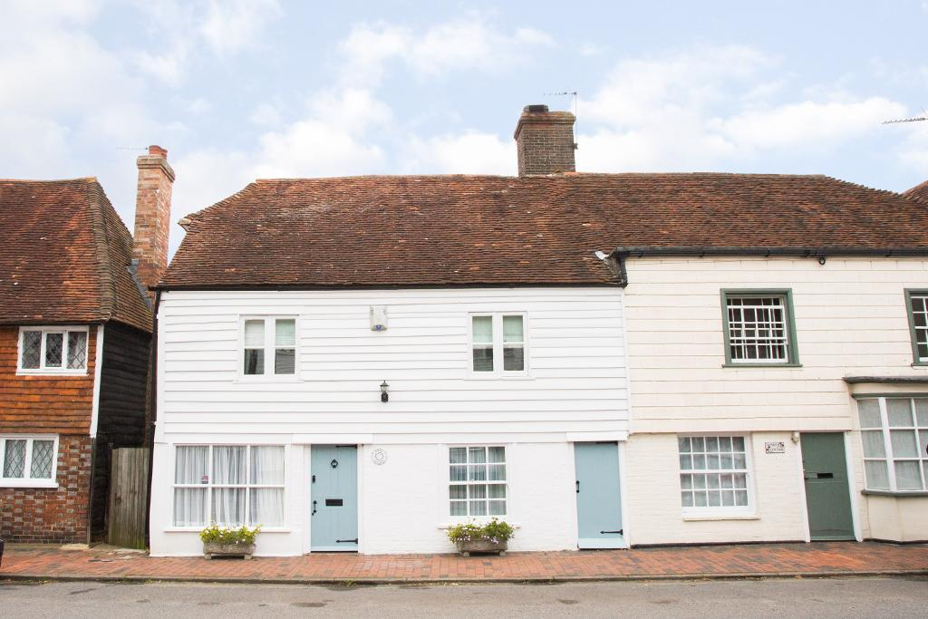 4 Bedrooms Semi Detached House for sale in High Street, Burwash, East Sussex, TN19 7ET