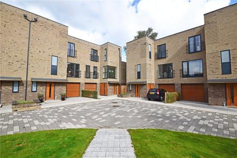 4 bedroom end of terrace house to rent - Lilywhite Drive, Cambridge, Cambridgeshire, CB4