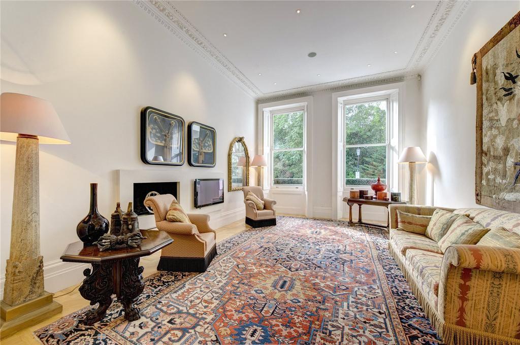 3 Bedrooms Maisonette Flat for sale in Queen's Gate Gardens, London, SW7