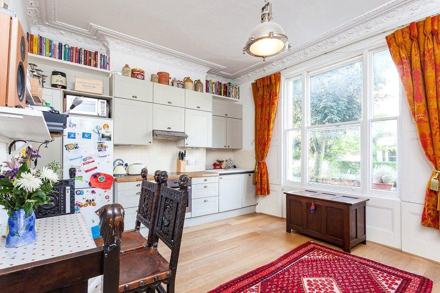 2 Bedrooms Flat for sale in Dartmouth Park Road, Dartmouth Park, London, NW5