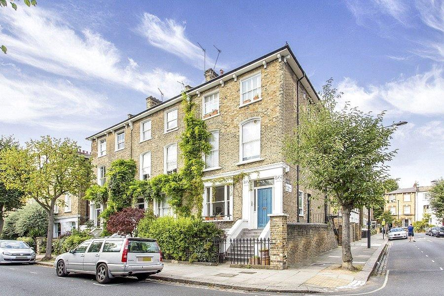 2 Bedrooms Flat for sale in Lawford Road, KentishTown, London, NW5