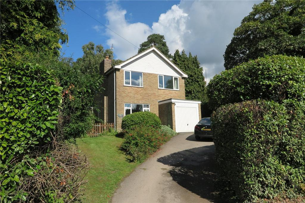 4 Bedrooms Detached House for sale in Hill Road, Grayshott, Hindhead, Surrey, GU26