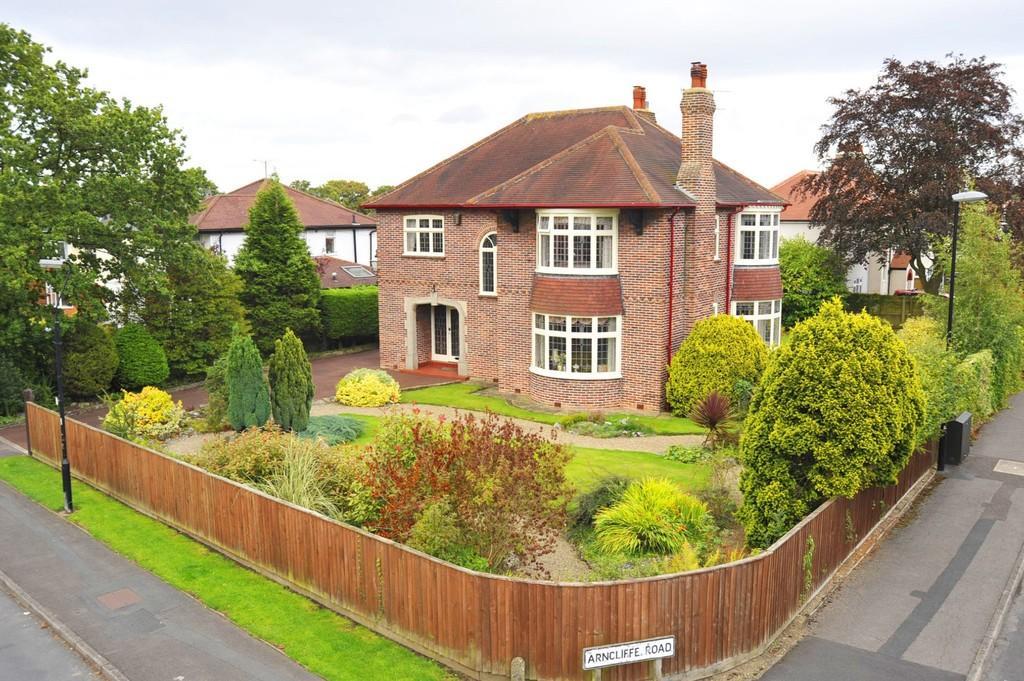 4 Bedrooms Detached House for sale in St Hilda's Road, Harrogate