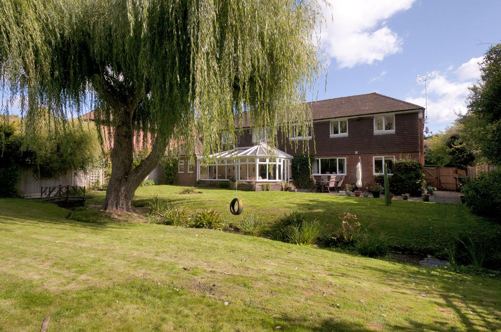 4 Bedrooms Detached House for sale in Mill Lane, Wateringbury