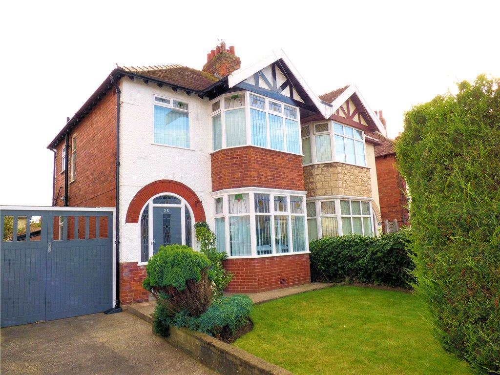 3 Bedrooms Semi Detached House for sale in Waverley Avenue, North Shore, Blackpool
