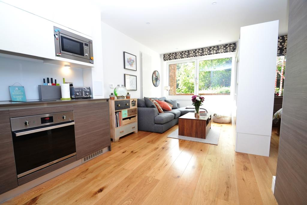 Studio Flat for sale in Molesworth Street London SE13