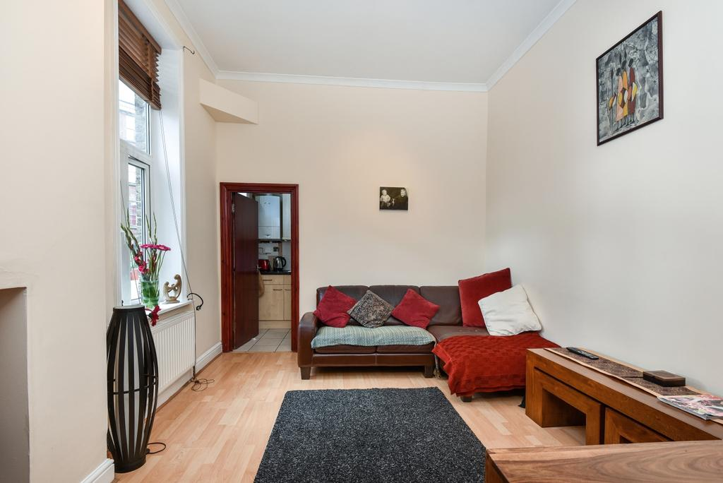 2 Bedrooms Flat for sale in Camberwell New Road London SE5