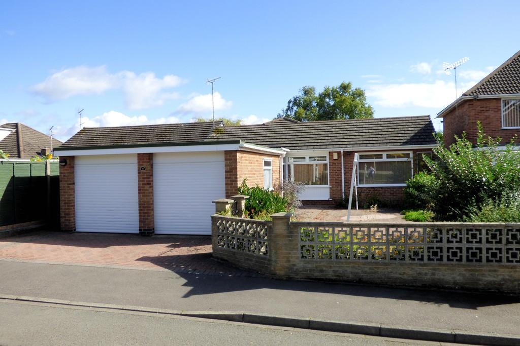 3 Bedrooms Detached Bungalow for sale in Beam Close, Burton-on-Trent