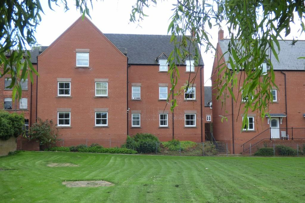 2 Bedrooms Apartment Flat for sale in Hall Yard, Tean
