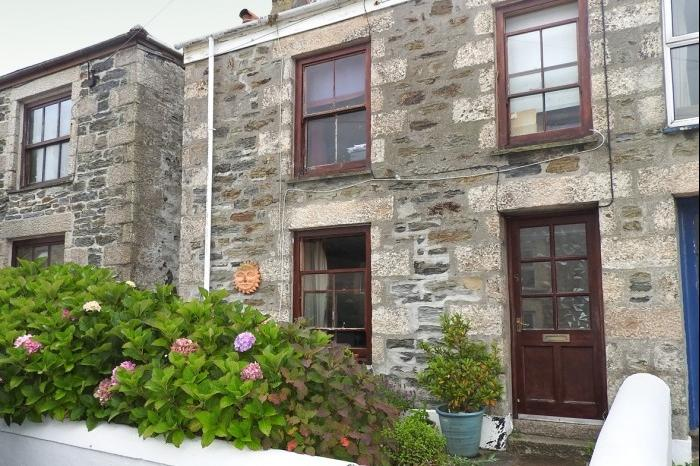 3 Bedrooms Cottage House for sale in 5 Unity Road, PORTHLEVEN, TR13