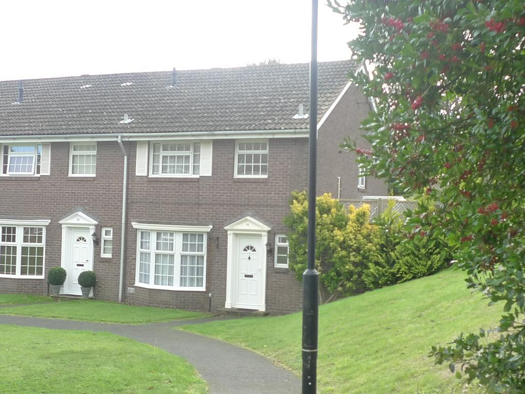 3 Bedrooms Semi Detached House for sale in Ascham Place, Meads, Eastbourne, BN20