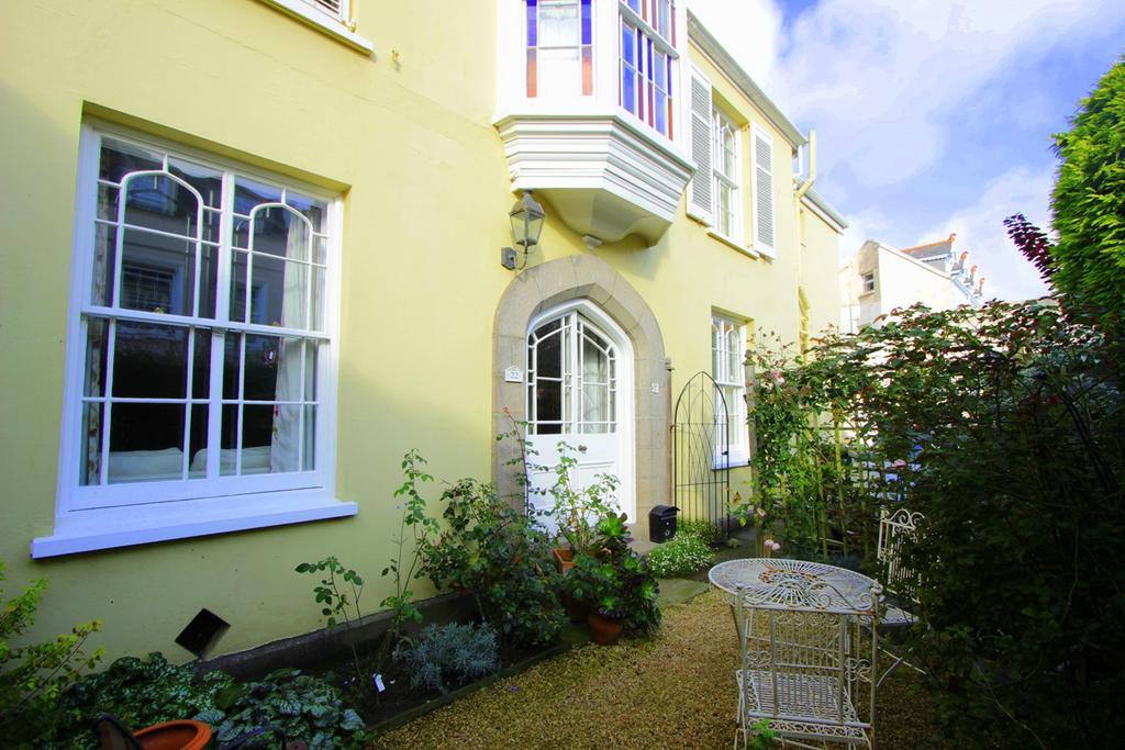 3 Bedrooms Semi Detached House for sale in La Chasse, St Helier, Jersey, JE2