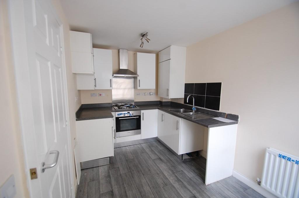 3 Bedrooms Terraced House for sale in Mosley Walk, Infirmary, Blackburn