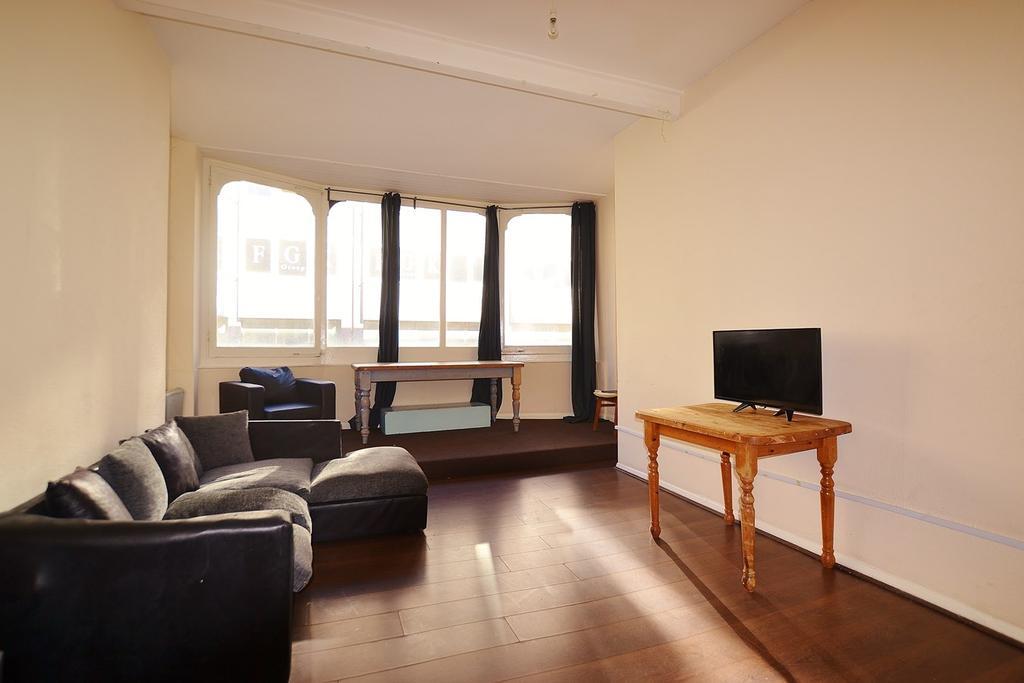 6 Bedrooms Maisonette Flat
