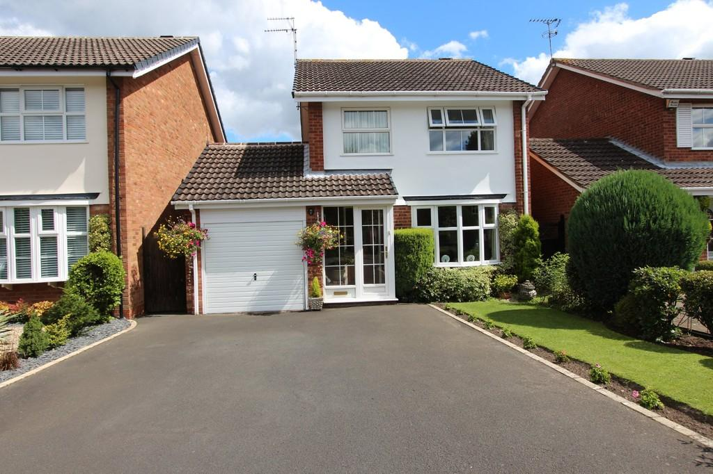 3 Bedrooms Detached House for sale in Tysoe Close, Hockley Heath