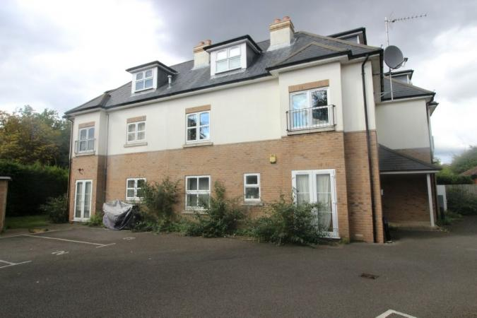3 Bedrooms Flat for sale in Methuen Road , Bournemouth