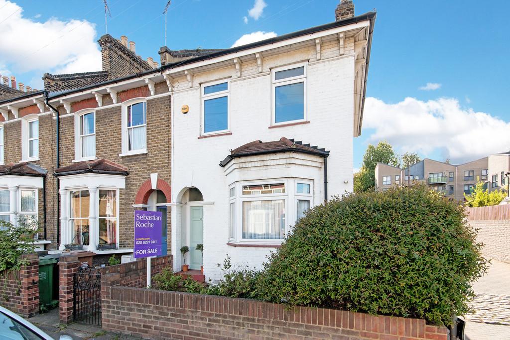 2 Bedrooms Semi Detached House for sale in Algernon Road SE13