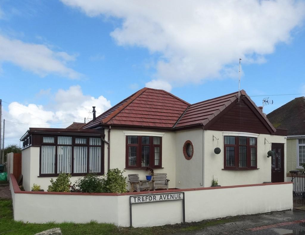 2 Bedrooms Detached Bungalow for sale in Kinmel Bay, Conwy