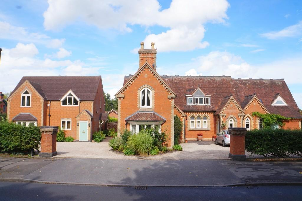 2 Bedrooms Penthouse Flat for sale in The Old School House, Widney Road
