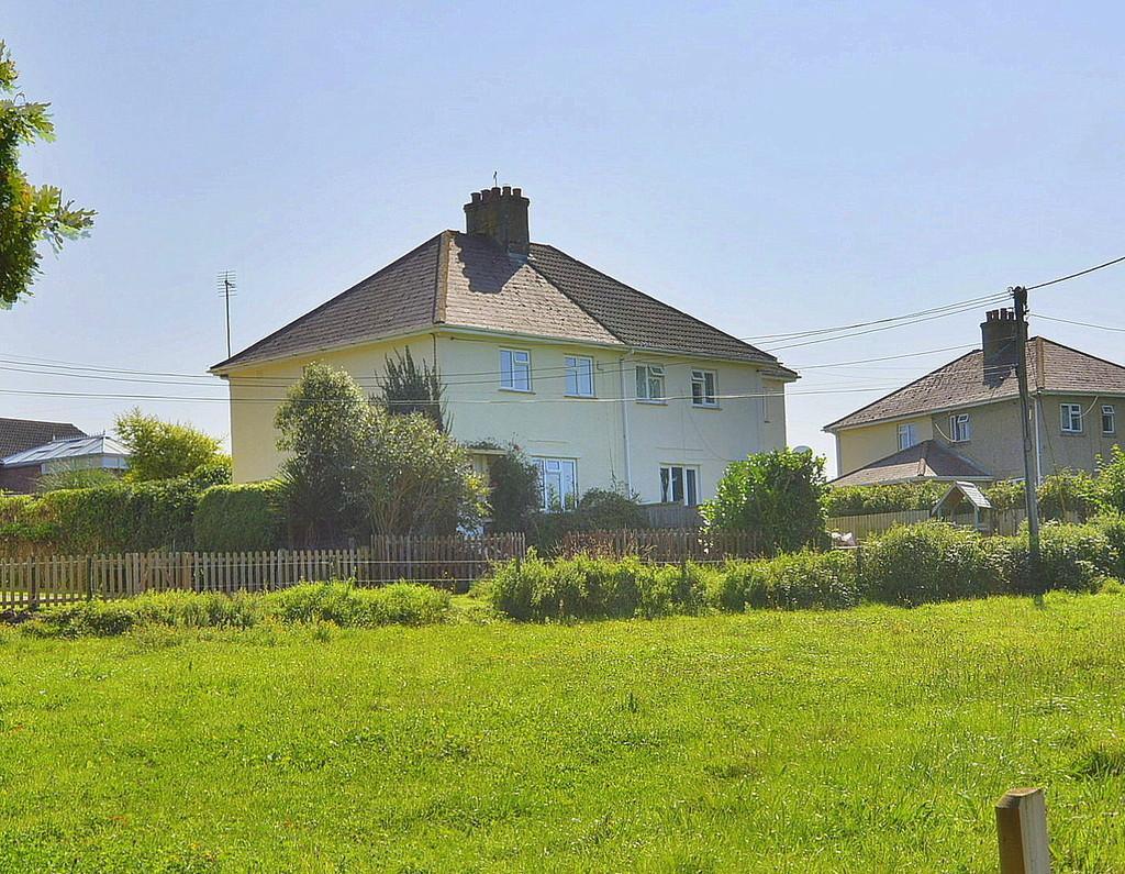 3 Bedrooms Semi Detached House for sale in Hillside Walk, Woodlands