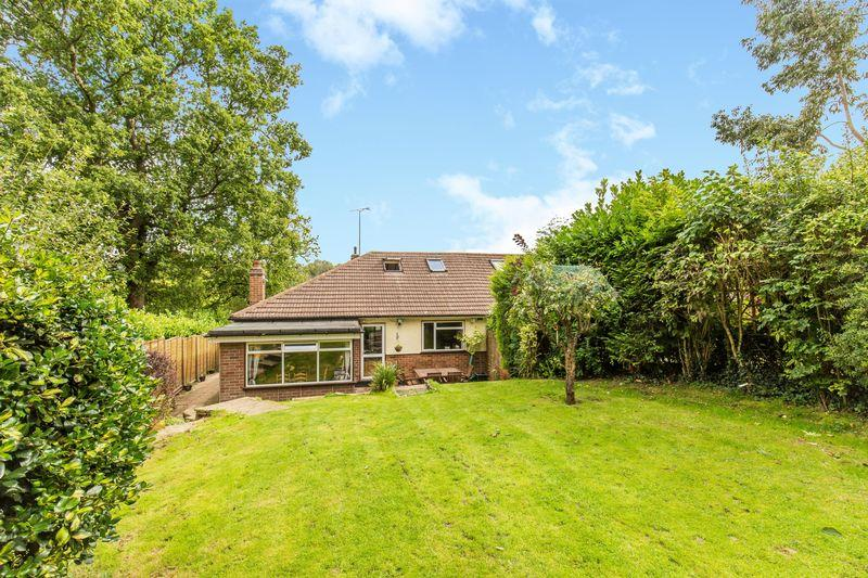 3 Bedrooms Bungalow for sale in Rydons Wood Close, Coulsdon
