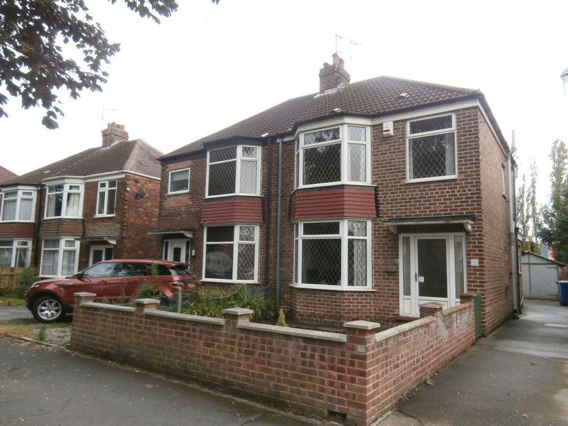 3 Bedrooms Semi Detached House for sale in Buttfield Road, Hessle