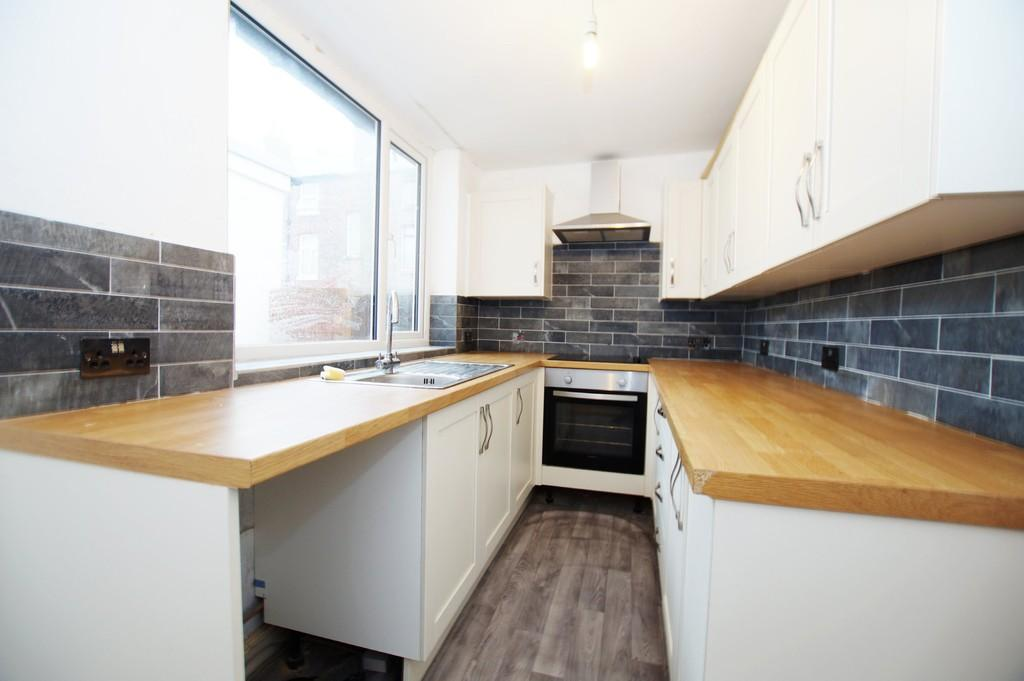 3 Bedrooms Terraced House for sale in Nelson Street, Scarborough