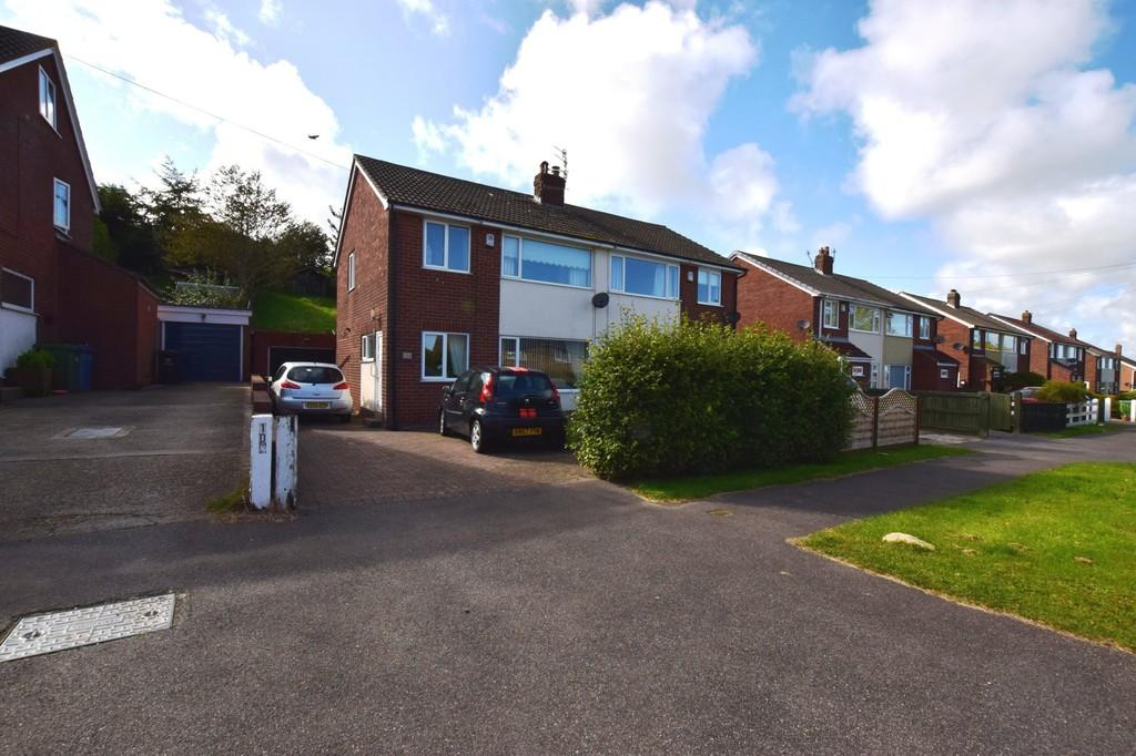 3 Bedrooms Semi Detached House for sale in Moor Lane, Scarborough