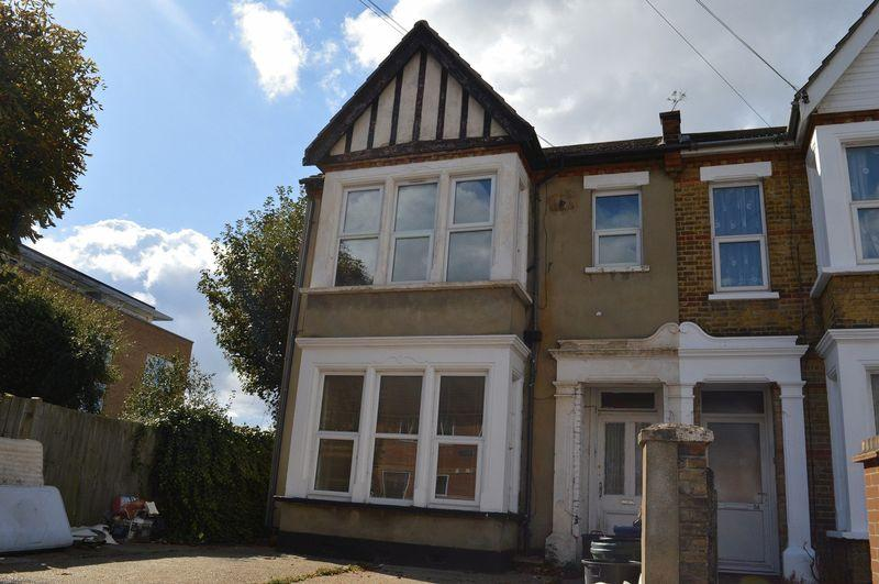 1 Bedroom Apartment Flat for sale in Bournemouth Park Road, Southend-On-Sea