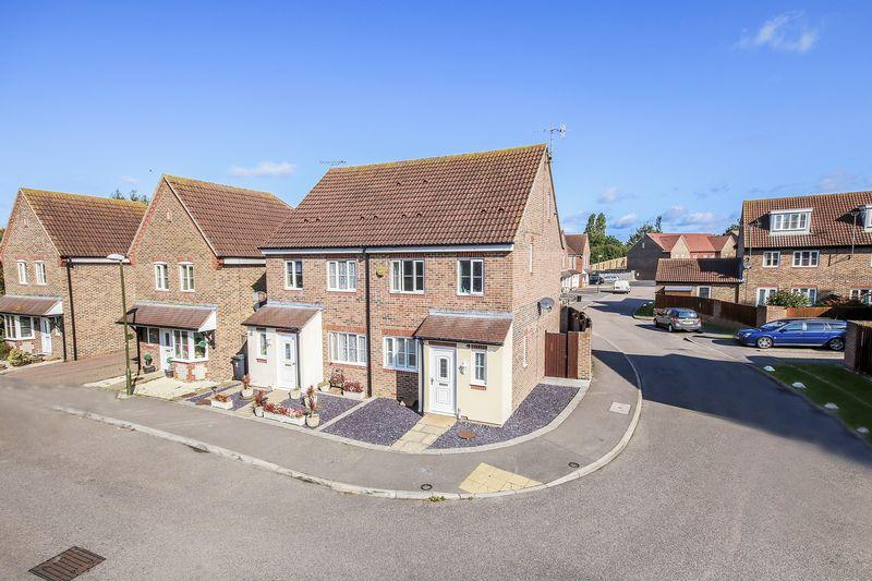 3 Bedrooms Semi Detached House for sale in Littlehampton