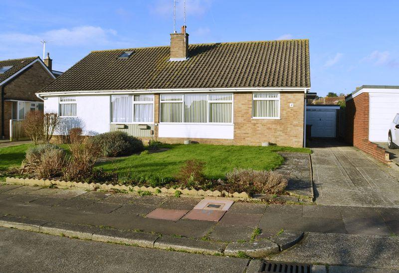 2 Bedrooms Semi Detached Bungalow for sale in SALVINGTON