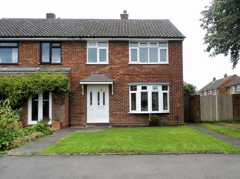 3 Bedrooms Semi Detached House for sale in Gilpin Crescent, Pelsall, Walsall.