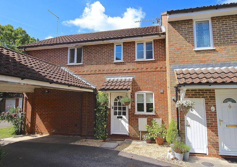 1 Bedroom Terraced House for sale in Bentley, Farnham