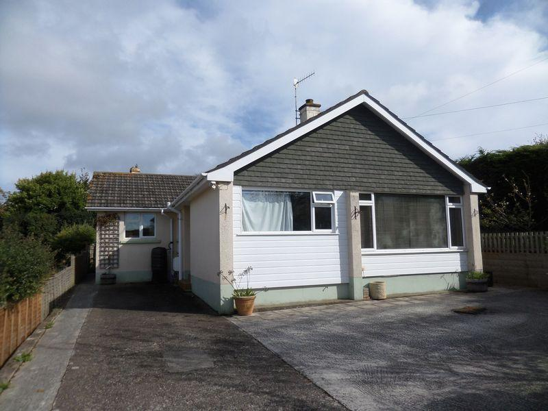3 Bedrooms Detached Bungalow for sale in Daneshay, Northam, Bideford