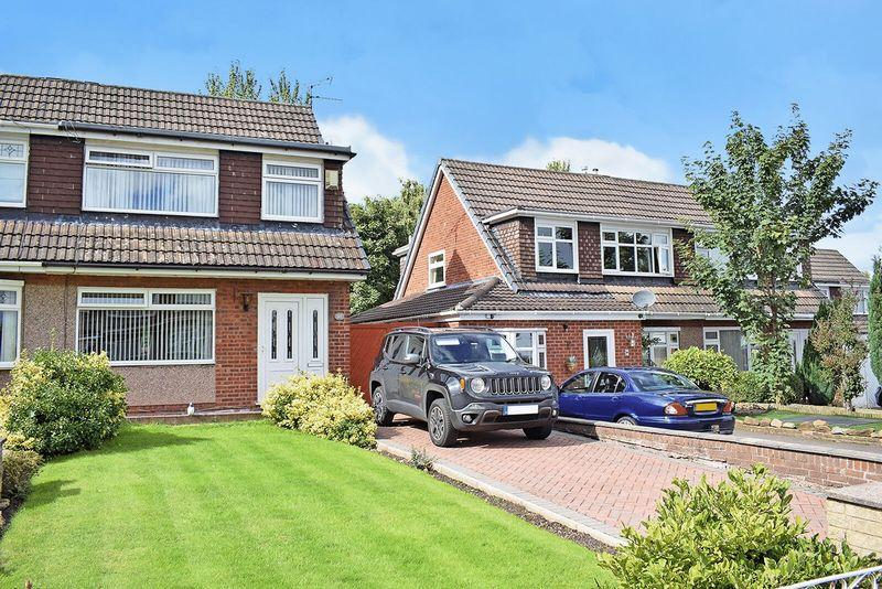 3 Bedrooms Semi Detached House for sale in Marlston Place, Runcorn