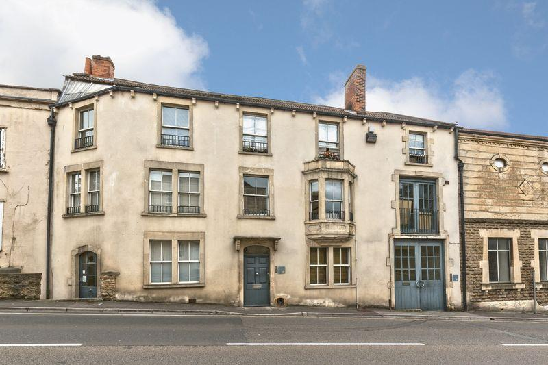2 Bedrooms Apartment Flat for sale in North Parade, Frome