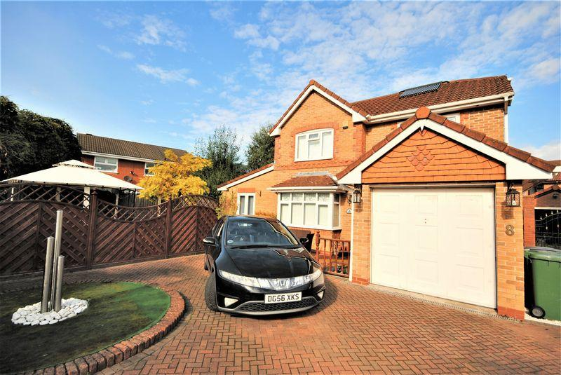 4 Bedrooms Detached House for sale in Barberry Close, Moreton