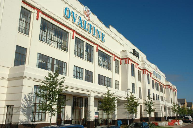 2 Bedrooms Apartment Flat for sale in Ovaltine Apartments, Ovaltine Drive, Kings Langley