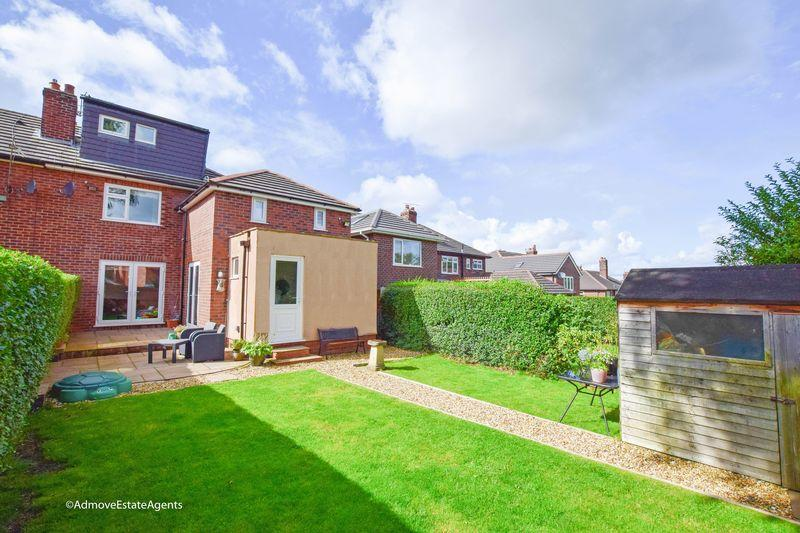 4 Bedrooms Semi Detached House for sale in Orchard Avenue, Lymm