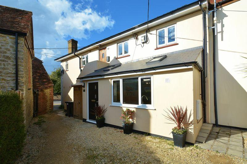 1 Bedroom Apartment Flat for sale in Thame Road, Stadhampton